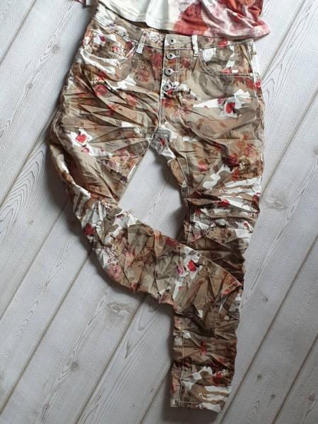 Gr. 42 Jeans Baggy Hose PLACE DU JOUR Camouflage & Floraler Print Knopfleiste