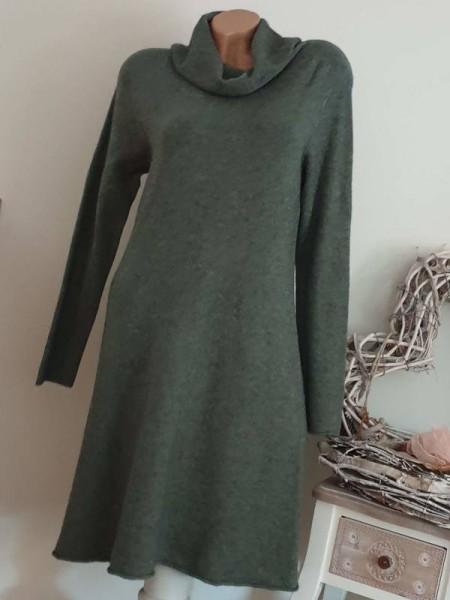 Feinstrickkleid Kleid grün Strickkleid 36 38 40 Rollkragen A-Form Rollbündchen